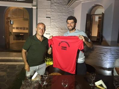 Independiente distinguió al tenista italiano Simone Bolelli